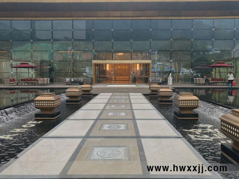 北京中式庭院中的户外家具